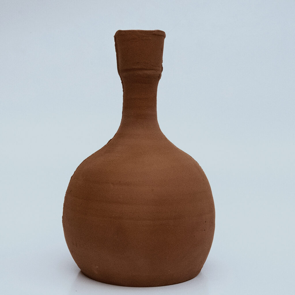 olla large traditional watering pot